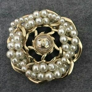 Authentic CHANEL Large Gold Bubble Pearl Brooch